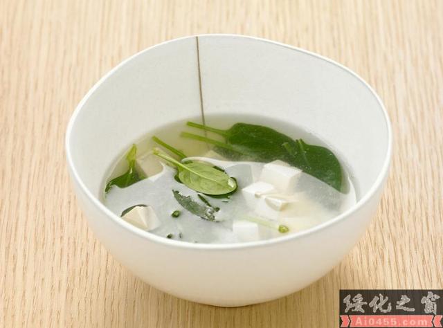 """从充饥到品味:""""中国式吃饭""""的那些年"""